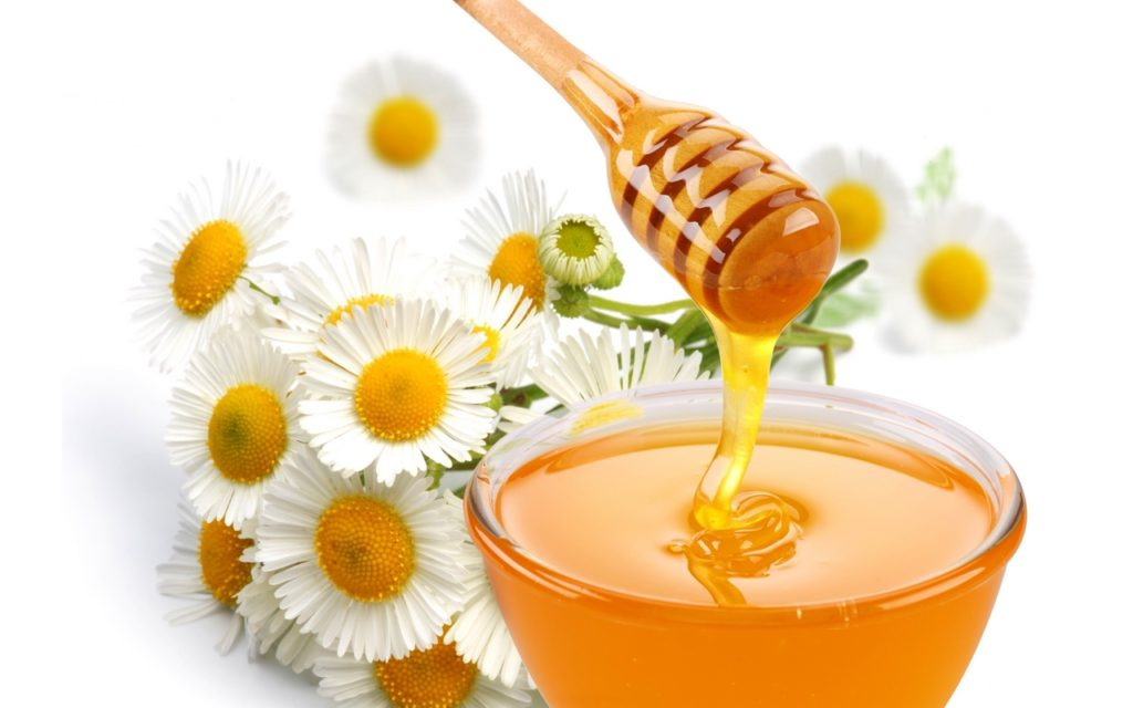 Мед и ромашка при стоматите